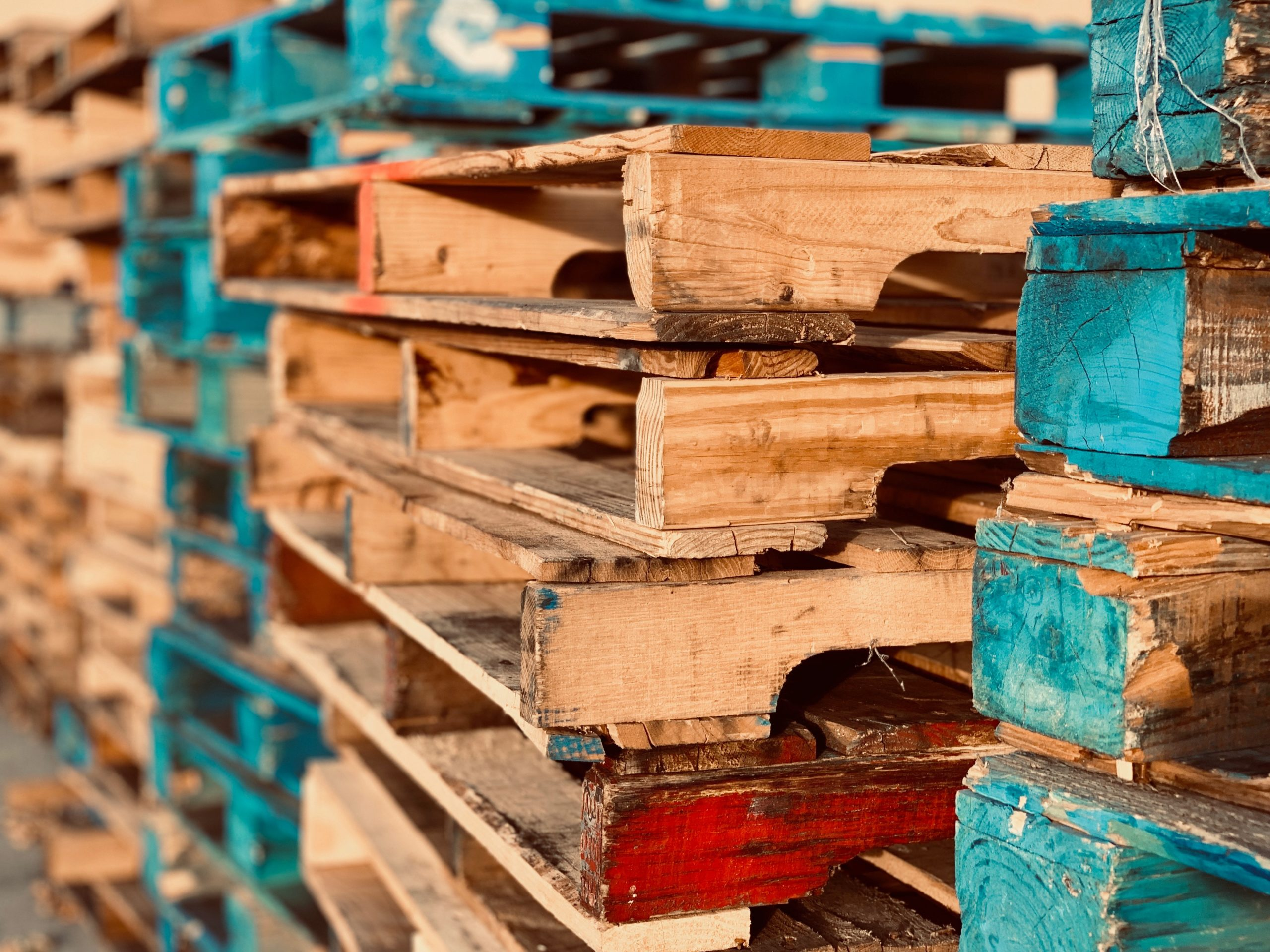 wooden-pallets-1684989