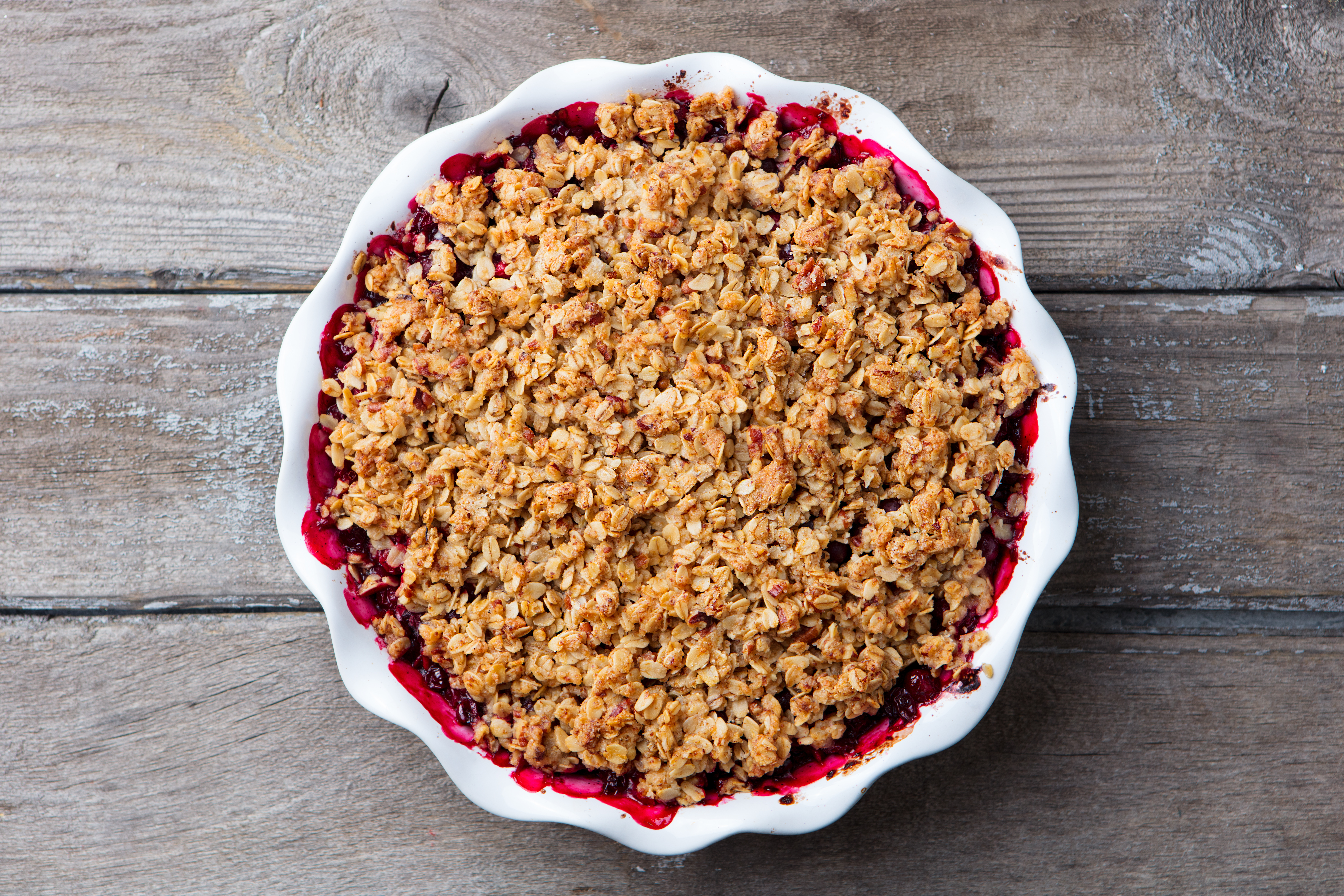 apple and cranberry oat crumble